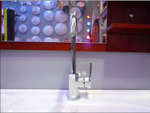 卫生间双水龙头安装图解和视频