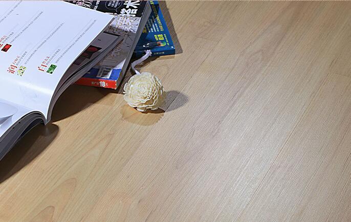 地板购买裸板价和全包价的区别